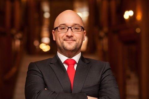 Adrian Petrowski