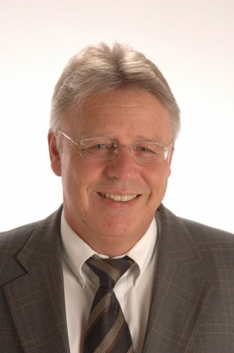 Manfred M. Gollhofer